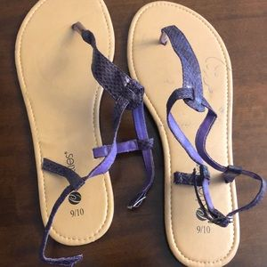 Barely worn, great condition sandals